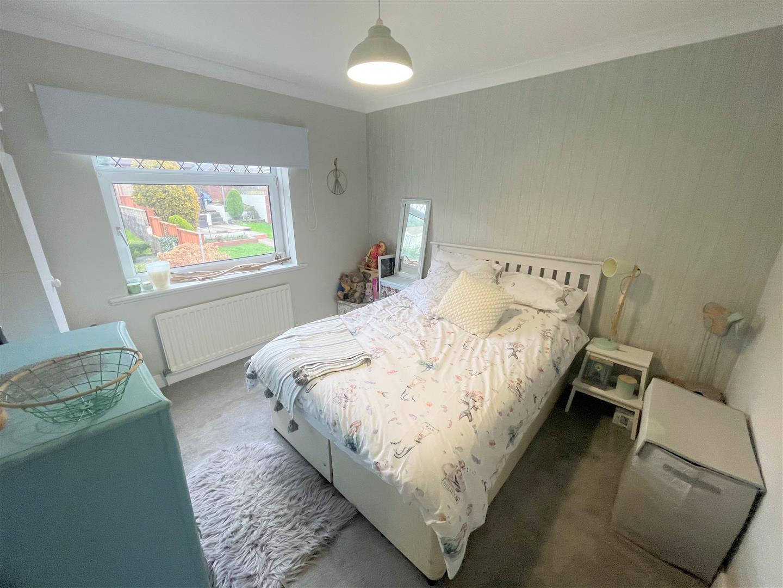 Elmhurst Crescent, St Thomas Swansea, SA1 8EA